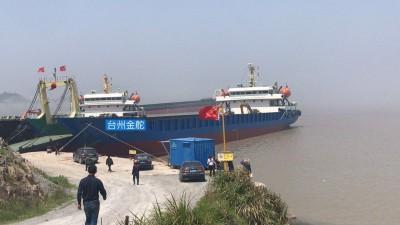 出售浅吃水5000吨工程甲板驳船